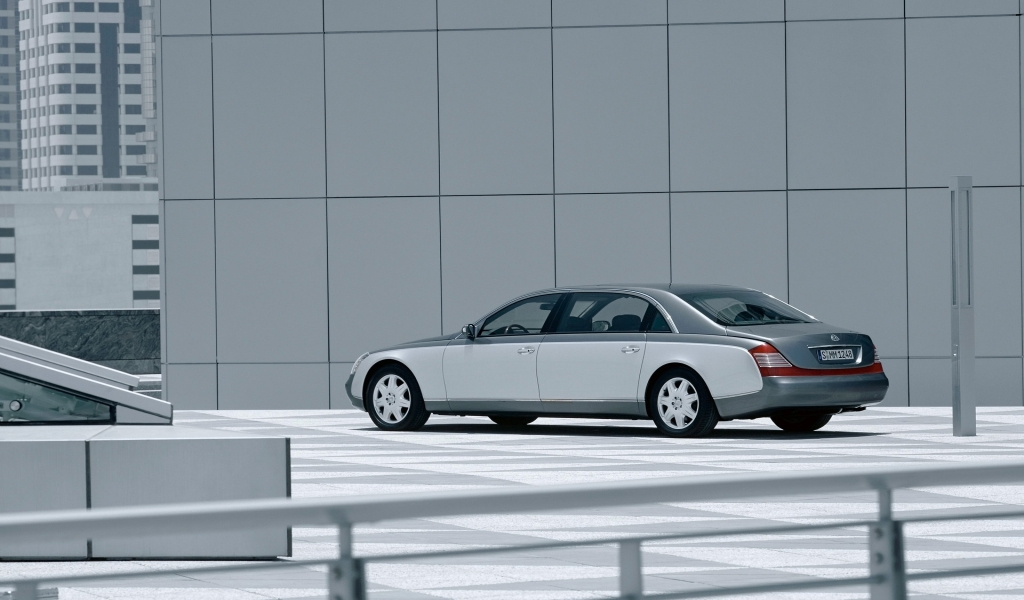 Maybach 62 Outside Left Front 3 for 1024 x 600 widescreen resolution