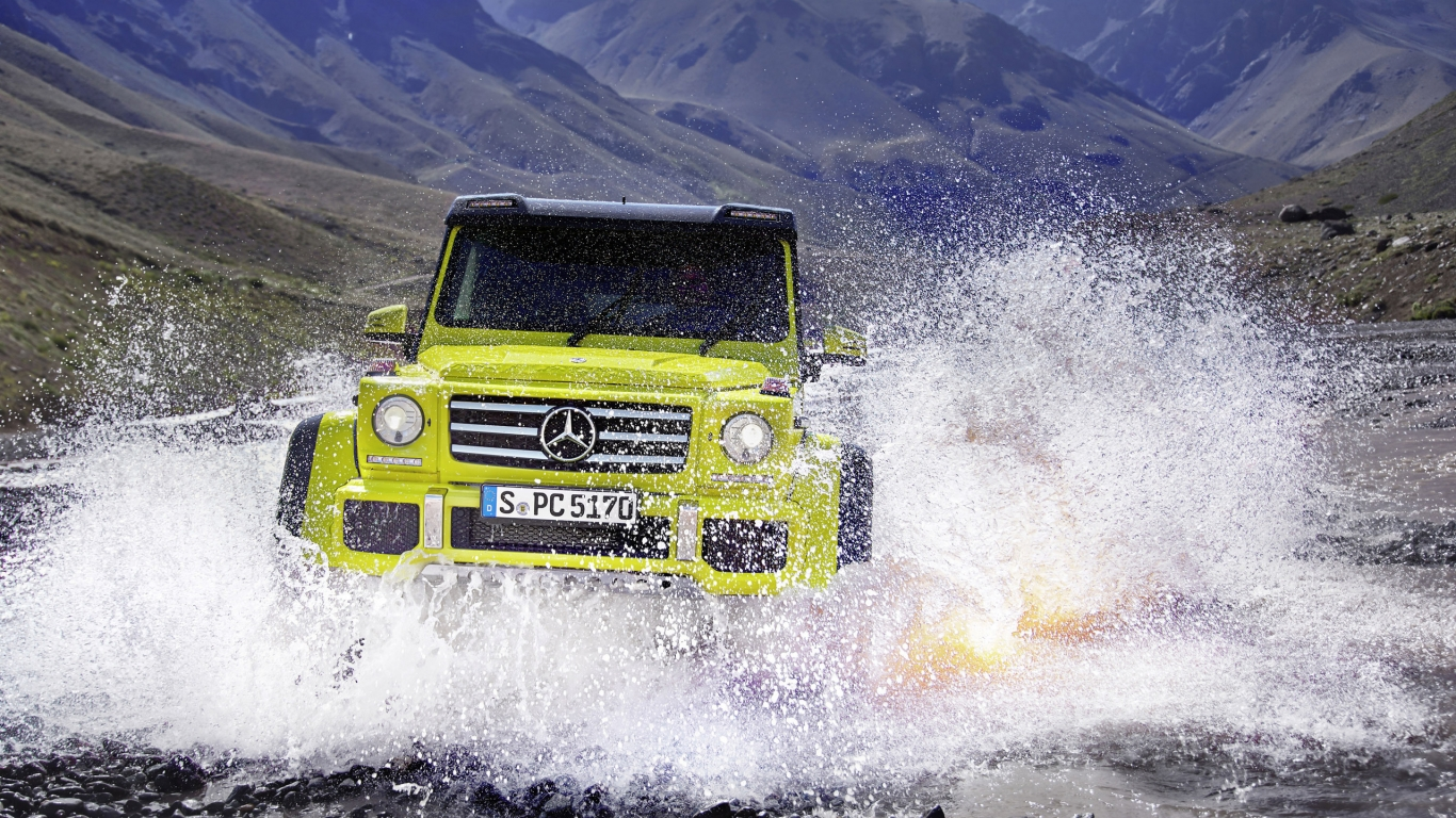 Mercedes Benz G500 2015 Off Road for 1366 x 768 HDTV resolution