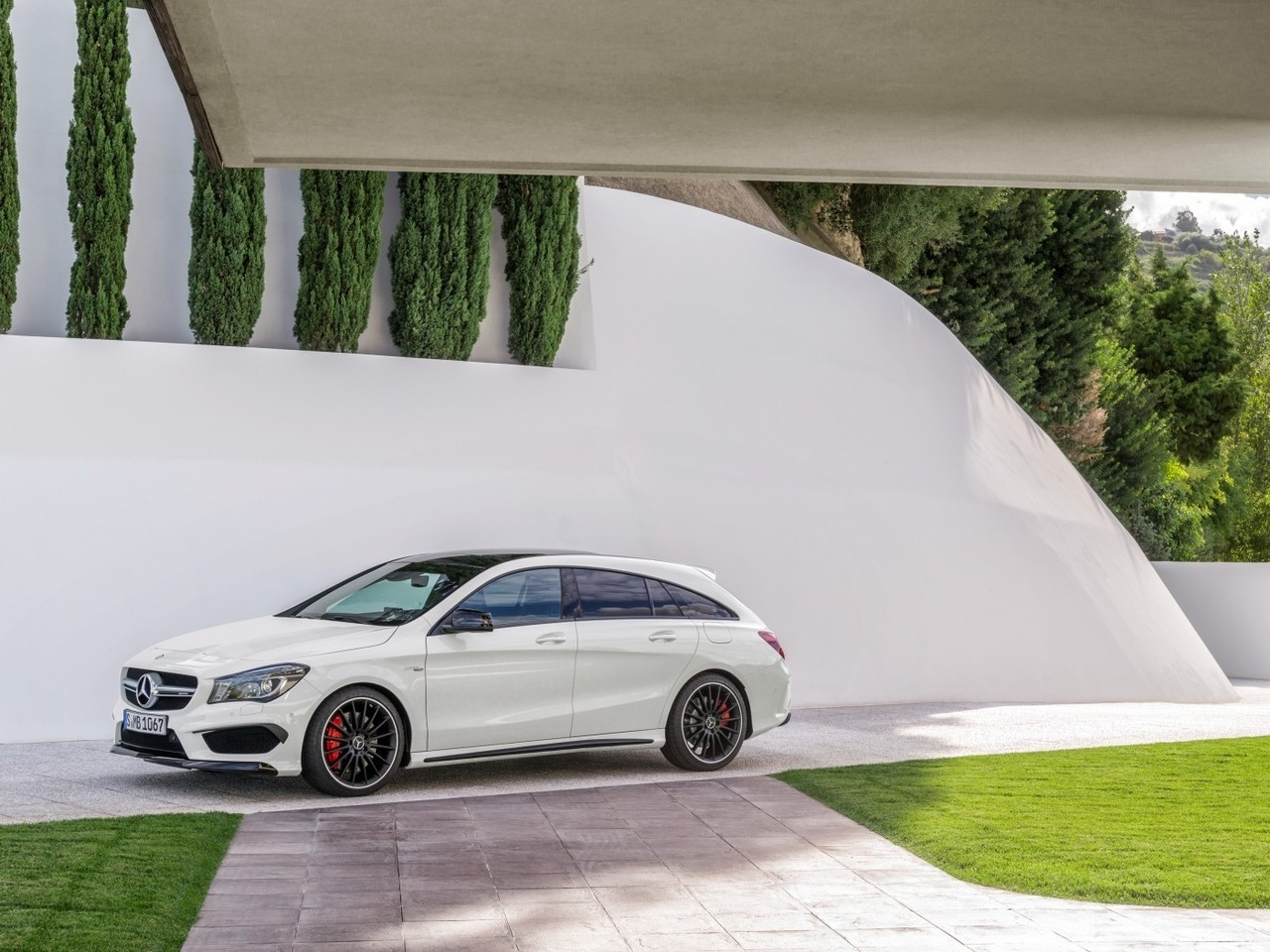 Mercedes CLA 45 AMG 2015 for 1280 x 960 resolution