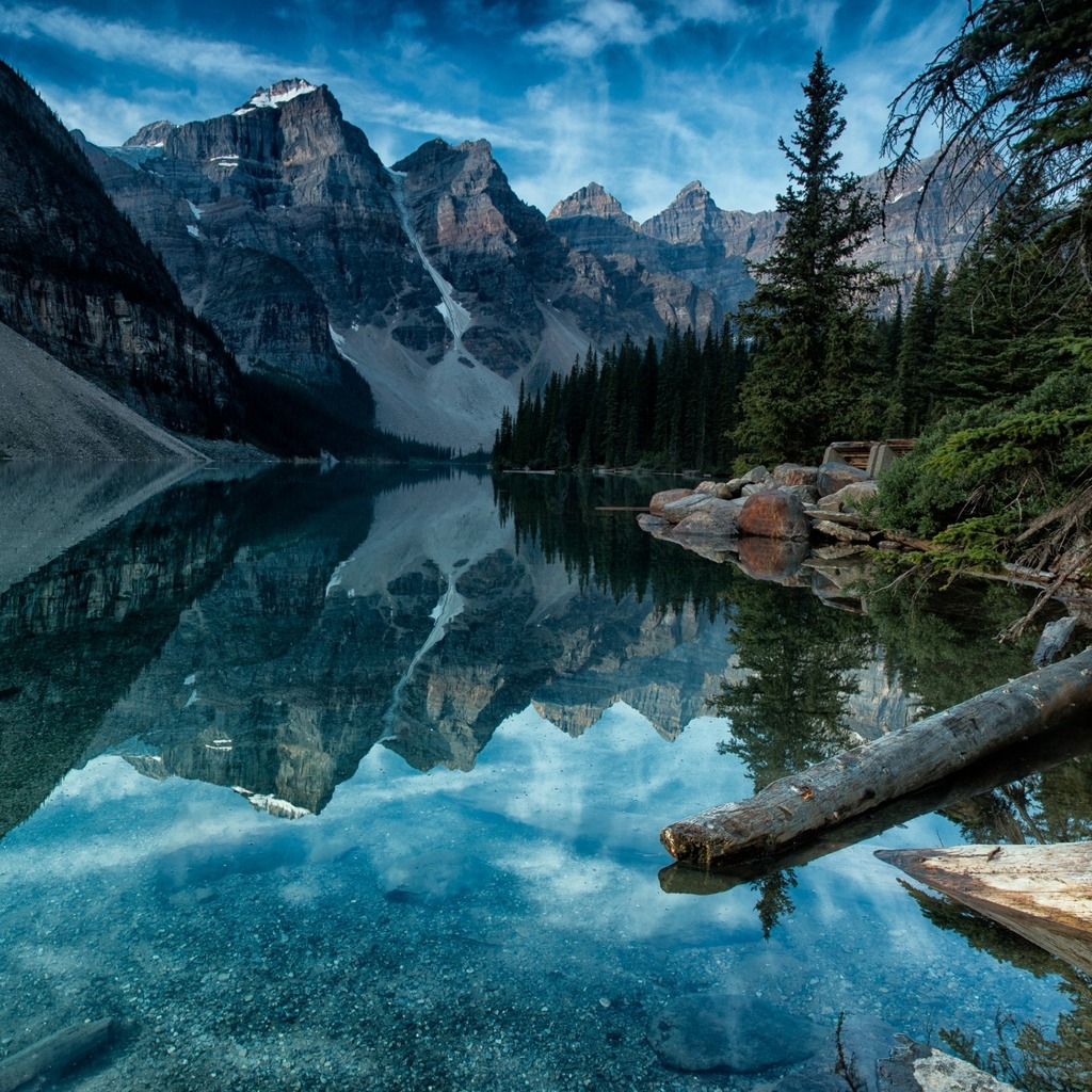 Moraine Lake Alberta Canada for 1024 x 1024 iPad resolution
