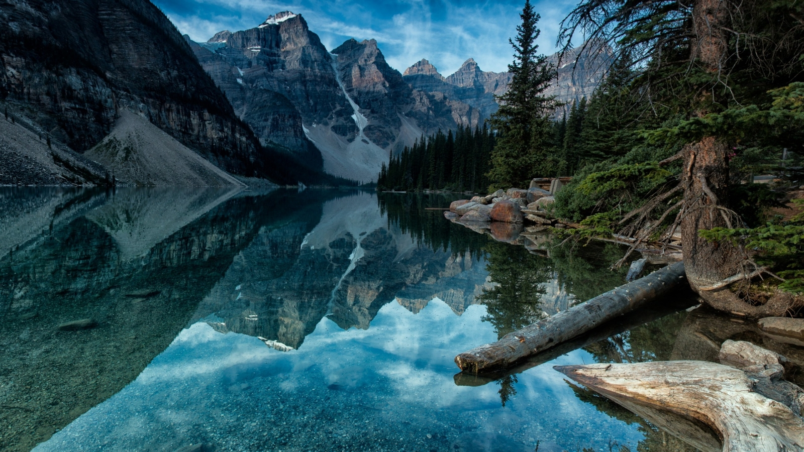 Moraine Lake Alberta Canada for 1600 x 900 HDTV resolution