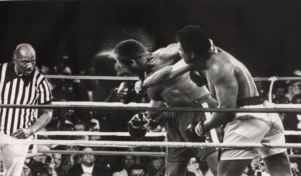 Muhammad Ali Hit for 1024 x 600 widescreen resolution