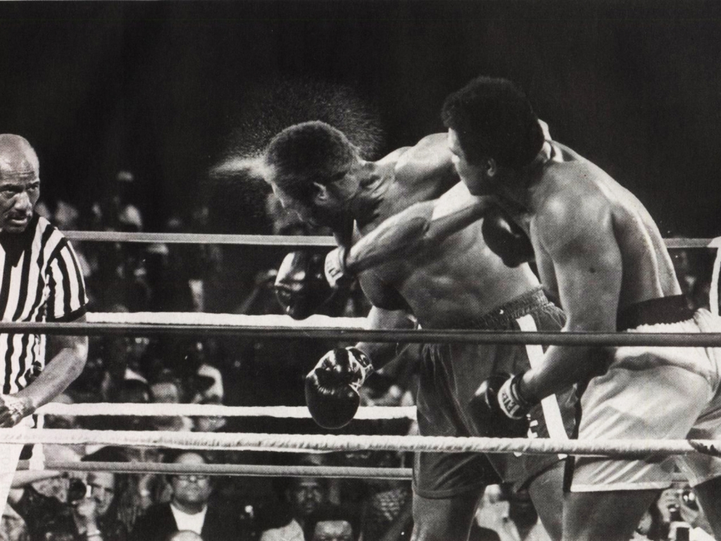 Muhammad Ali Hit for 1024 x 768 resolution