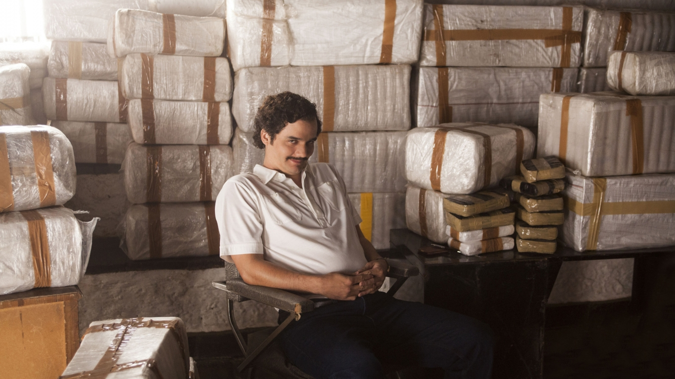 Narcos Pablo Escobar for 1366 x 768 HDTV resolution