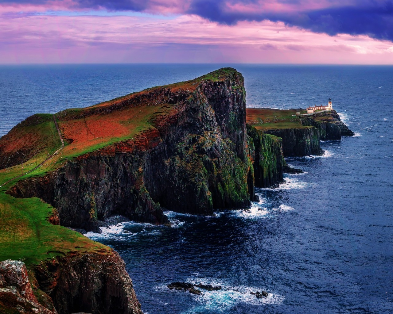 Neist Point Lighthouse UK for 1280 x 1024 resolution