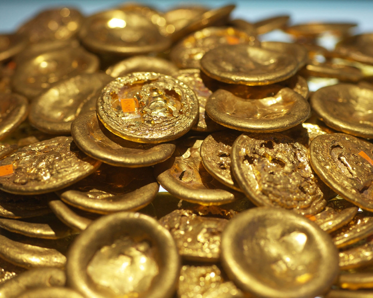 Old Chinese Gold Coins for 1280 x 1024 resolution