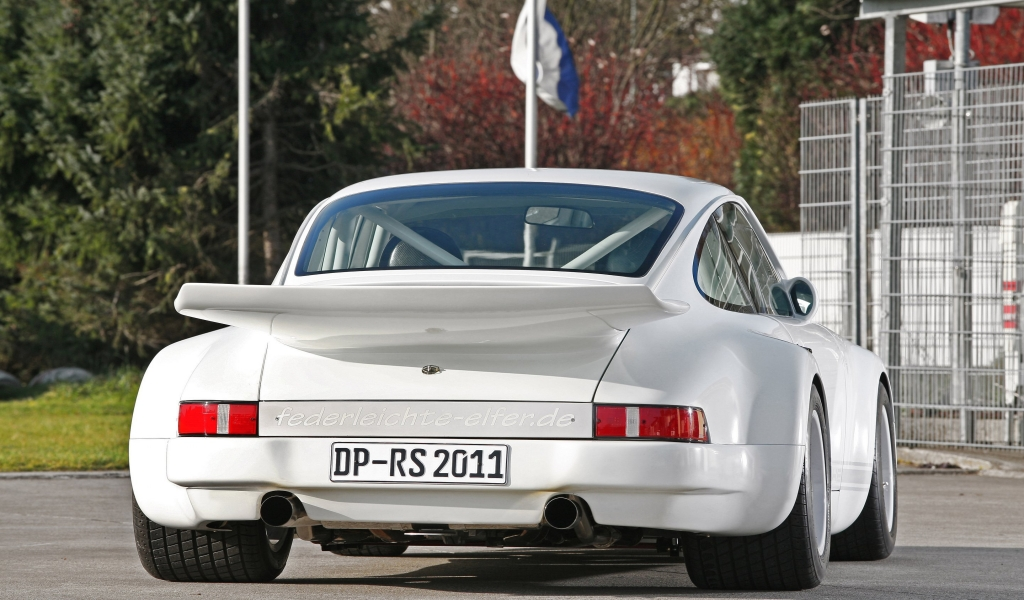 Old White Porsche 911  for 1024 x 600 widescreen resolution