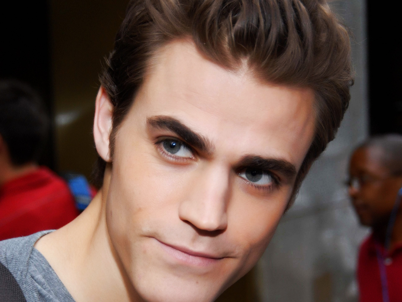 Paul Wesley Close Up for 1600 x 1200 resolution