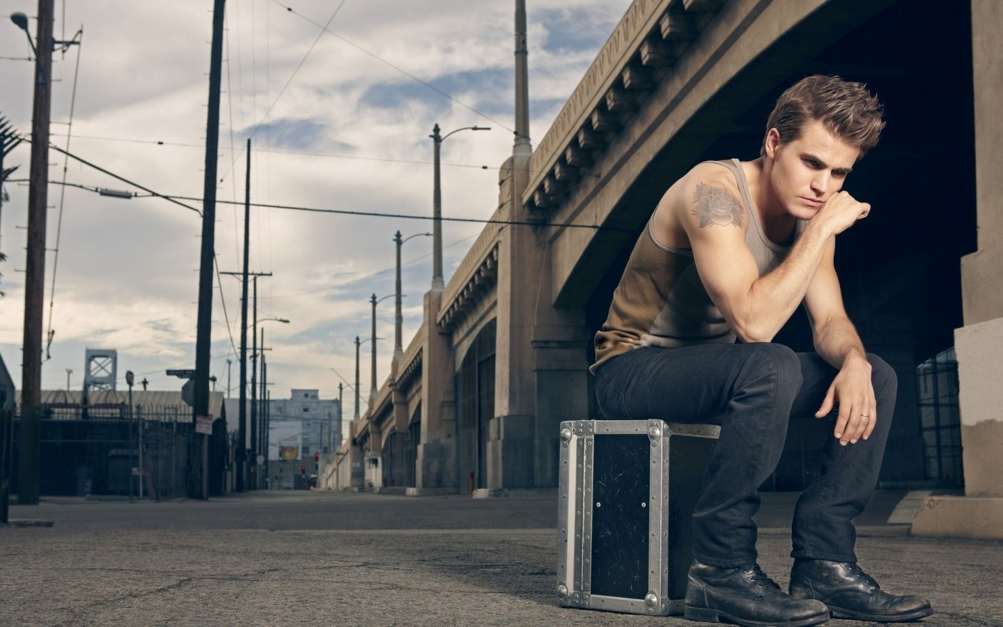 Paul Wesley Photo Shoot for 1440 x 900 widescreen resolution