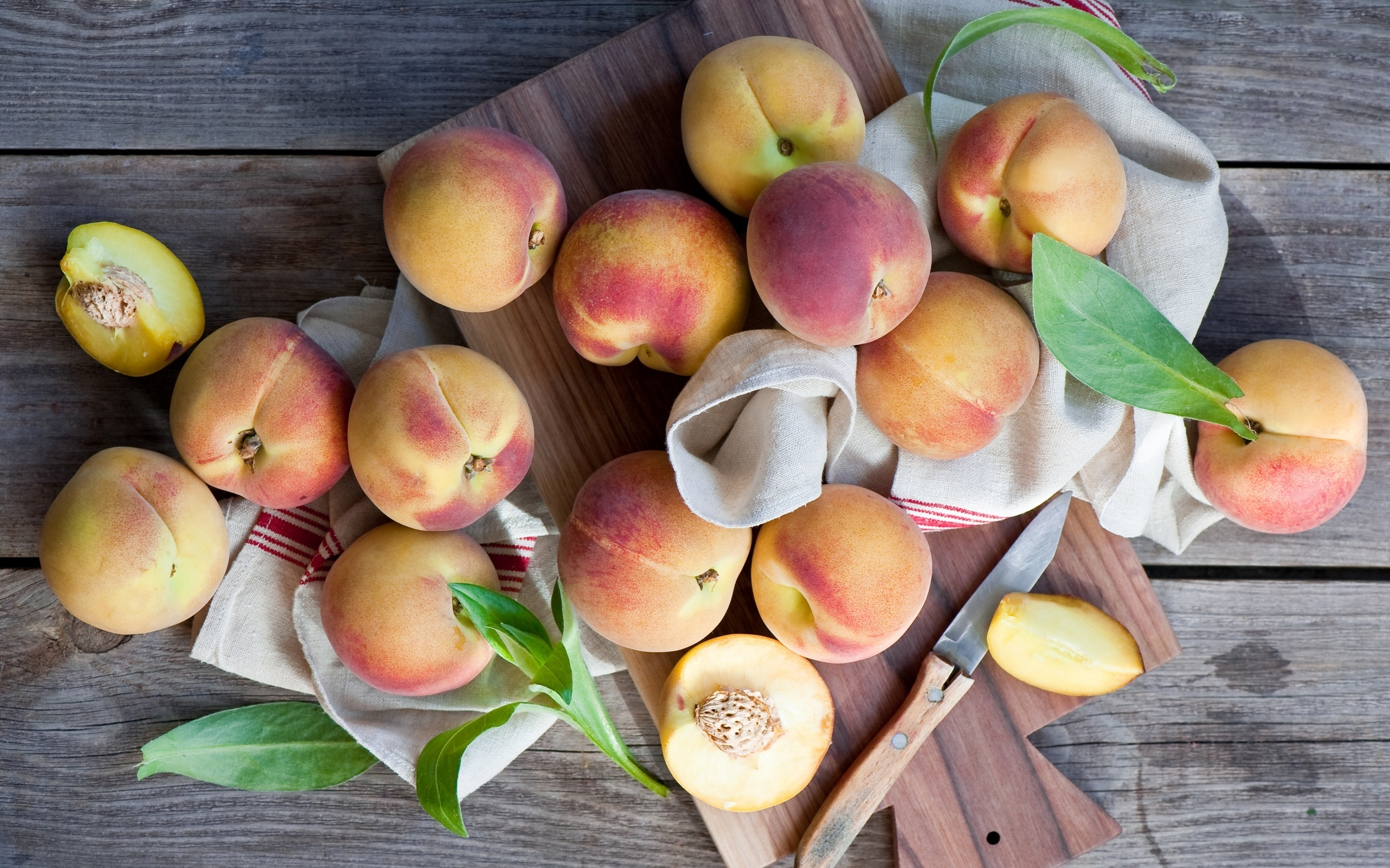 Peaches for 2880 x 1800 Retina Display resolution
