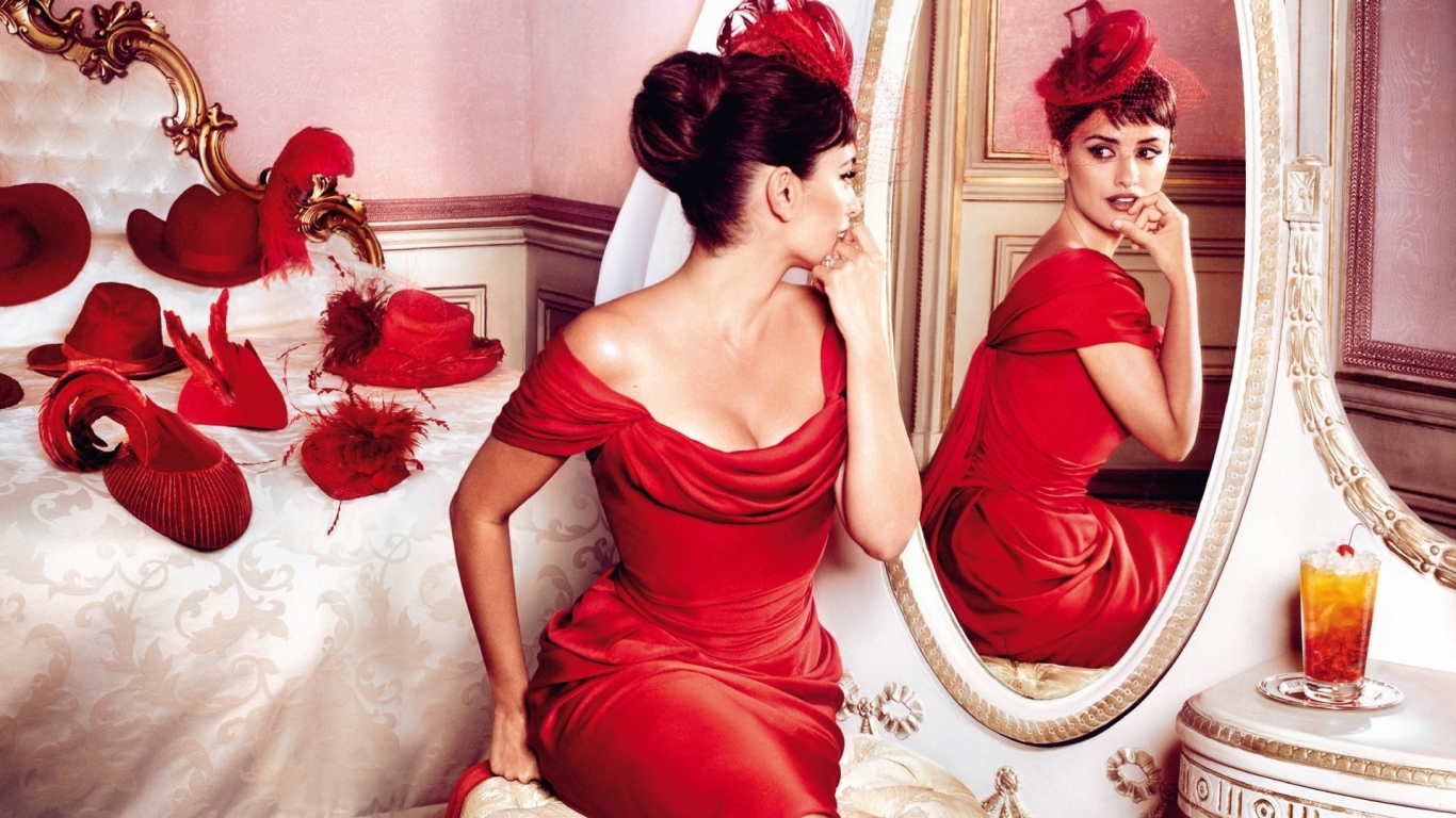 Penelope Cruz Red Outfit for 1366 x 768 HDTV resolution