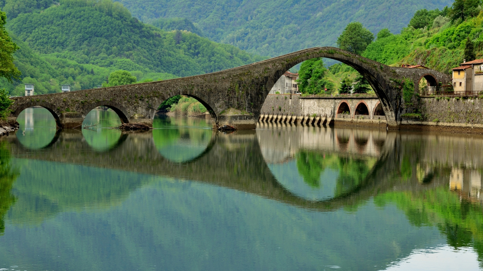 Ponte del Diavolo Italy for 1536 x 864 HDTV resolution