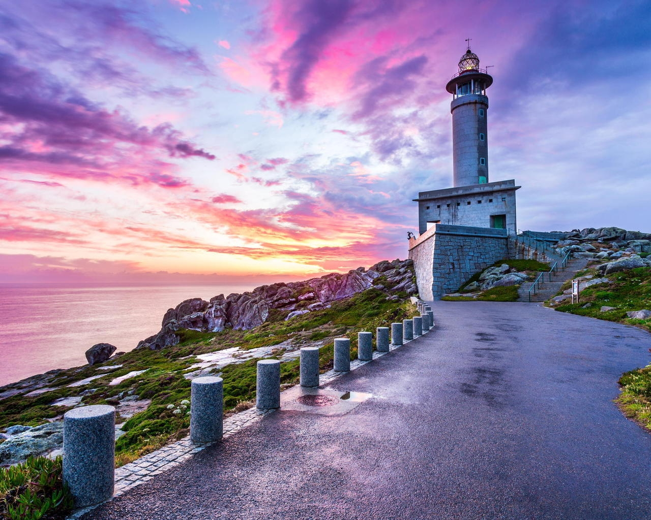 Punta Nariga Spain Lighthouse for 1280 x 1024 resolution