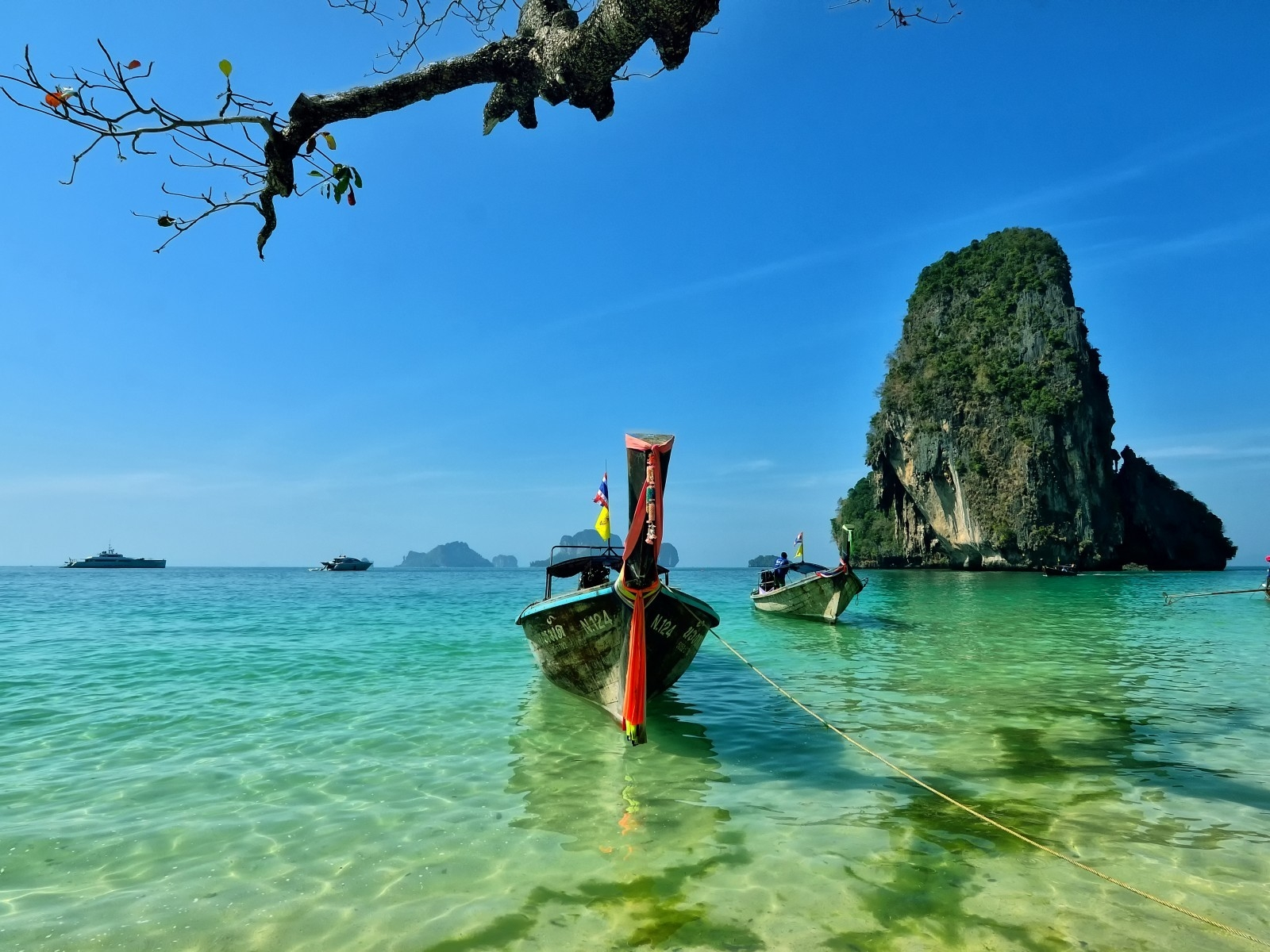 Railay Beach Thailand for 1600 x 1200 resolution