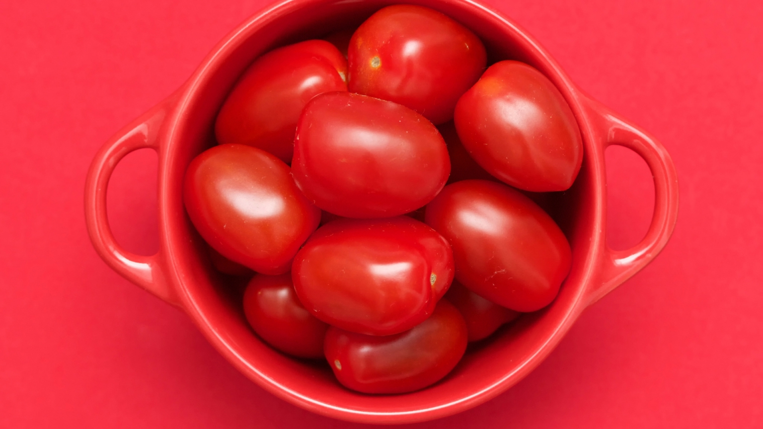 Red Tomatoes for 1536 x 864 HDTV resolution
