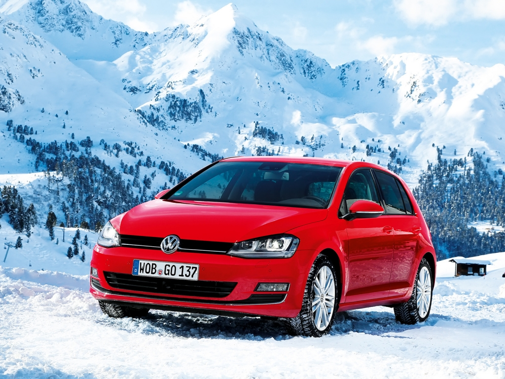 Red Volkswagen Golf 2013 for 1024 x 768 resolution