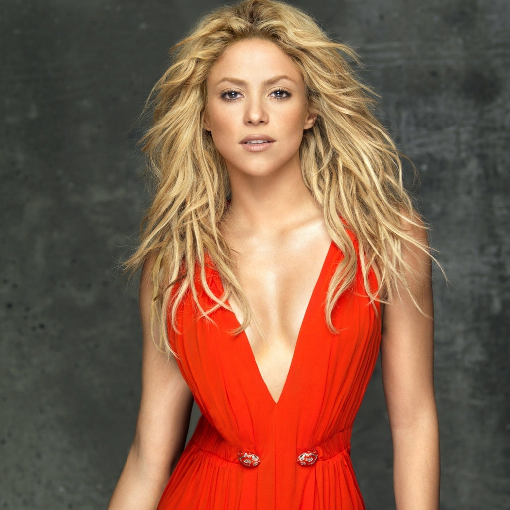 Shakira In Red Dress for 1024 x 1024 iPad resolution