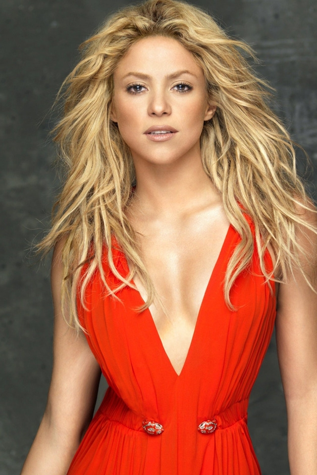 Shakira In Red Dress for 640 x 960 iPhone 4 resolution