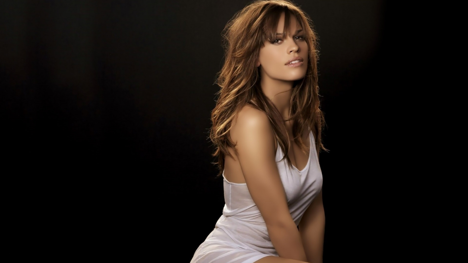 Splendid Hilary Swank for 1600 x 900 HDTV resolution