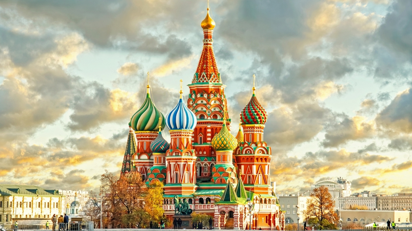 St. Basils Cathedral Moscow Kremlin for 1366 x 768 HDTV resolution