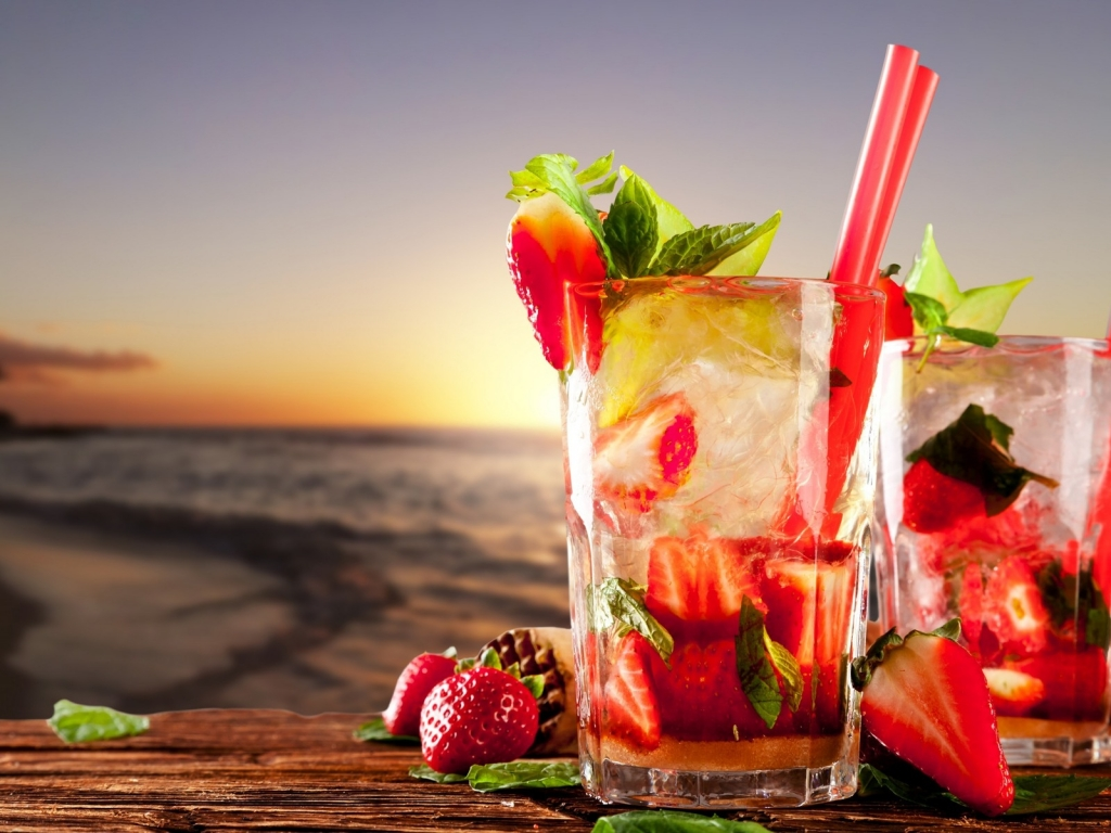 Strawberry Cocktails  for 1024 x 768 resolution