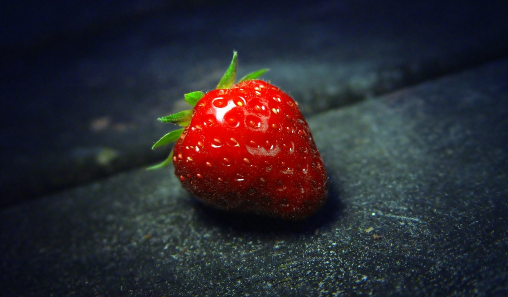 The Strawberry for 1024 x 600 widescreen resolution