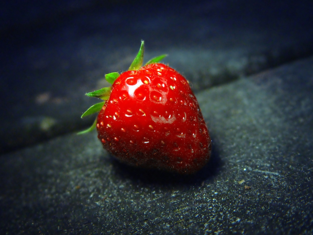 The Strawberry for 1024 x 768 resolution