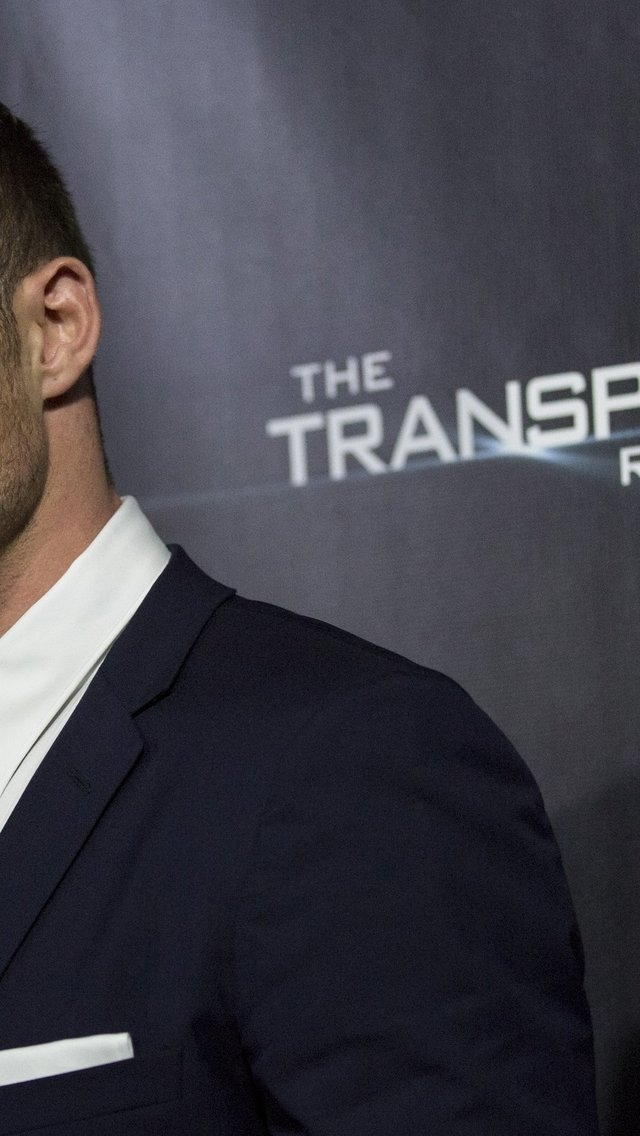 The Transporter: Refueled 640 x 1136 iPhone 5 Wallpaper