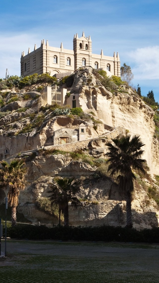 Tropea Castle View for 640 x 1136 iPhone 5 resolution