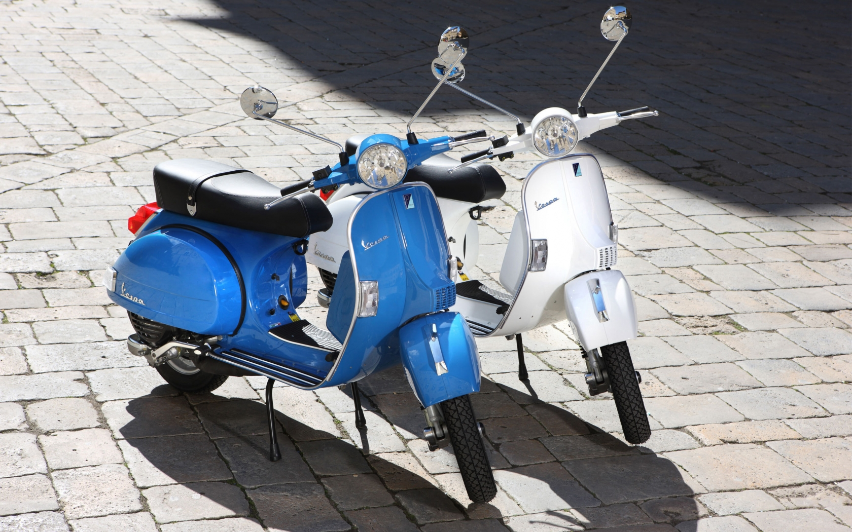 Vespa PX 150A 2011 for 1680 x 1050 widescreen resolution