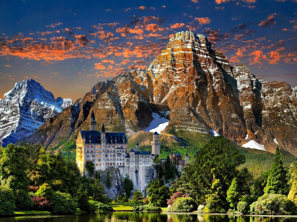 View of Neuschwanstein Castle for 1024 x 768 resolution