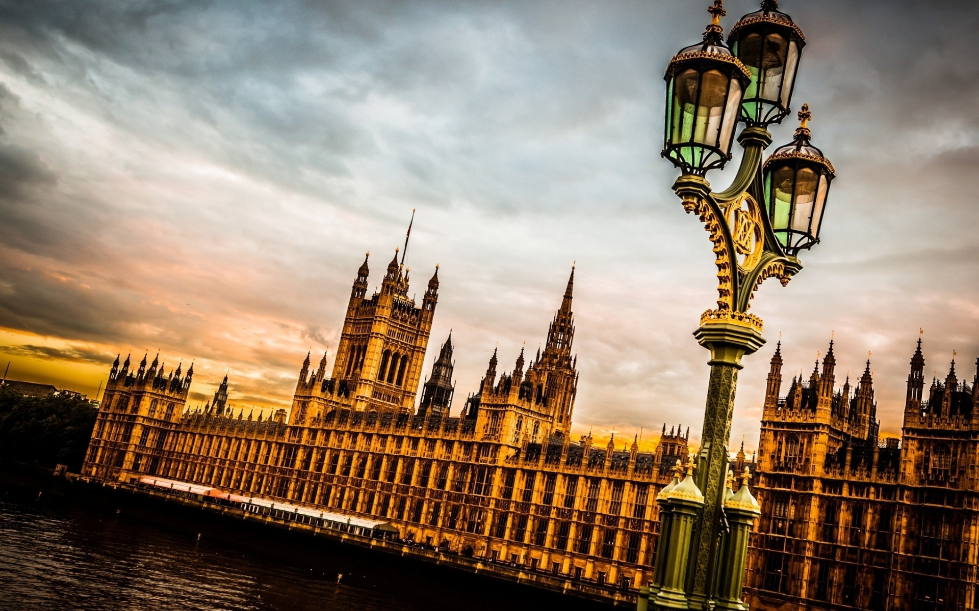 Westminster Palace London for 1920 x 1200 widescreen resolution