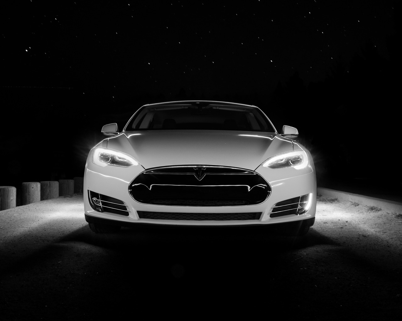 White Tesla Front  for 1280 x 1024 resolution