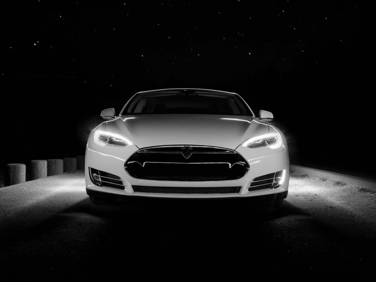 White Tesla Front  for 1280 x 960 resolution