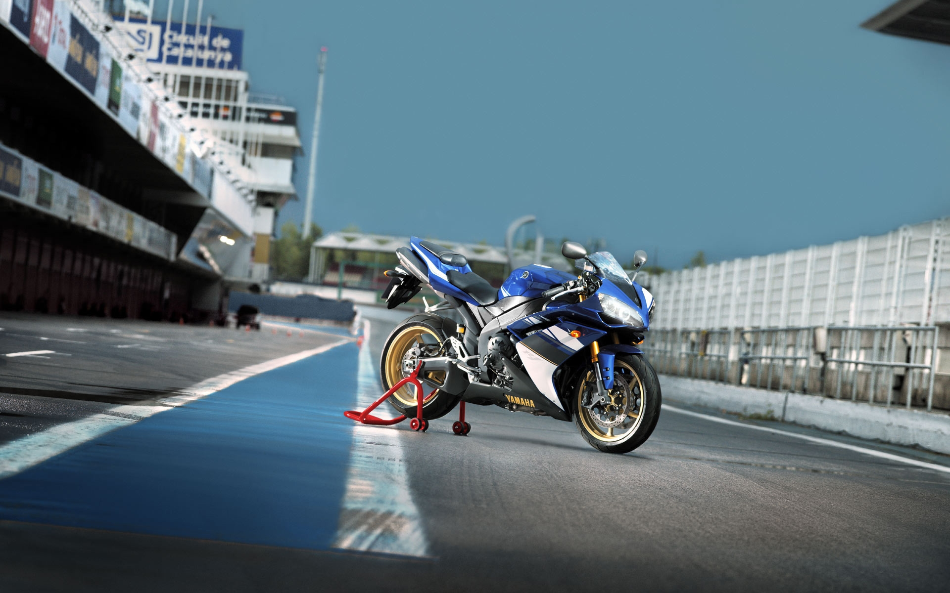 Yamaha YZF-R1 for 1920 x 1200 widescreen resolution