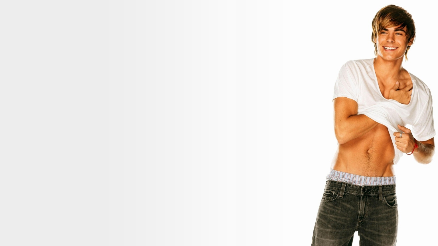 Zac Efron Sexy for 1536 x 864 HDTV resolution